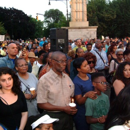 Witnessing to Hope Vigil in Grand Army Plaza 07/11/2016 - Brooklyn Archive