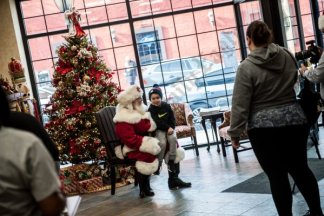Santa at The First National Bank of Long Island 12/01/2018 - Brooklyn Archive