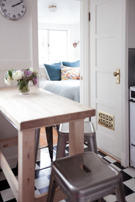 jordan-ferney-apartment-san-francisco-small-apartment-tips-