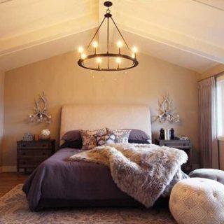 Home Tour: Luxury Lake House