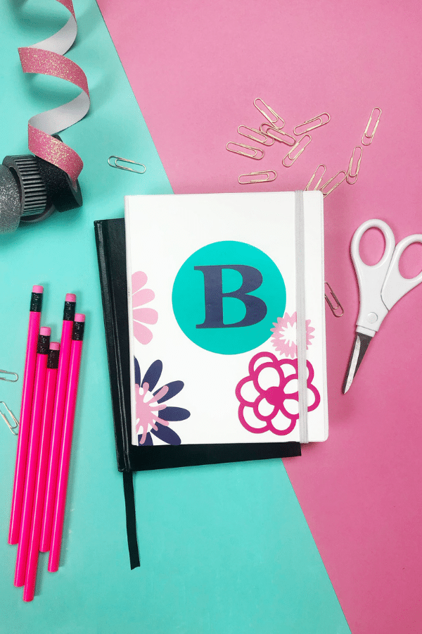 Back To School Cricut Projects to personalize your school supplies. Get school ready with cute gear for students, teachers or just for fun. Add vinyl to decorate and personalize your gear. via @brookeberry