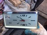 vintage-windup-clock