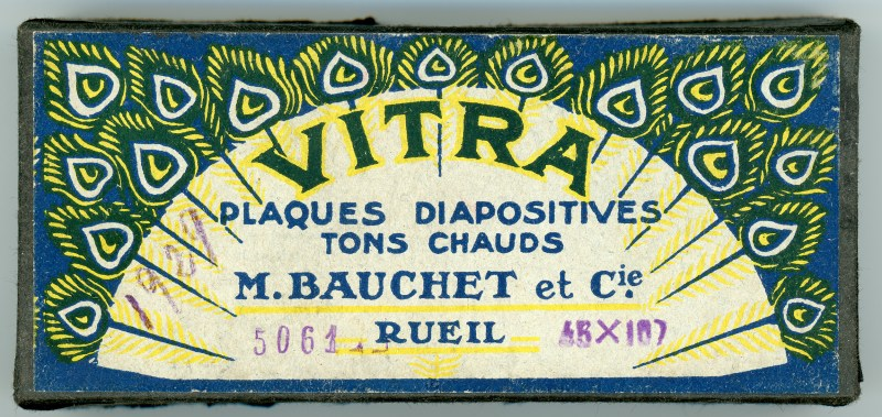 A box of Vitra diapositives, which held some of the Puthon Collection when it arrived at my door. Vitra was one of the most common brands for stereographic glass plates sold in Francophone countries.