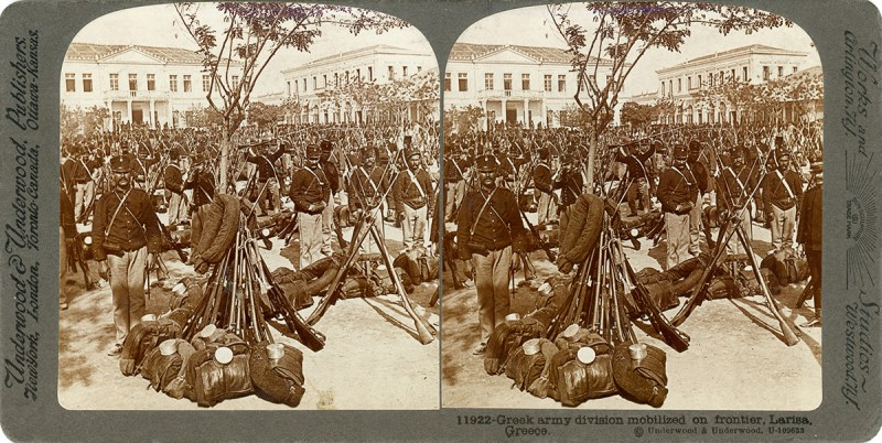 Old-school stereography: a Holmes-style stereoview from the Great War, published by Underwood & Underwood before they sold out to Keystone View Company.