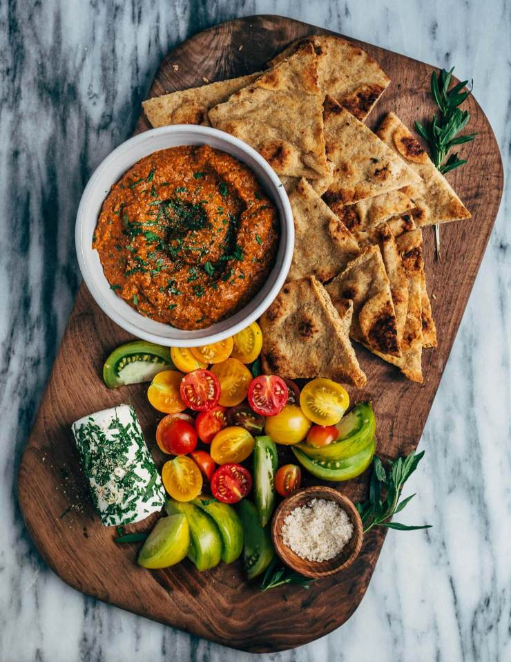 roasted tomato and red pepper dip // brooklyn supper
