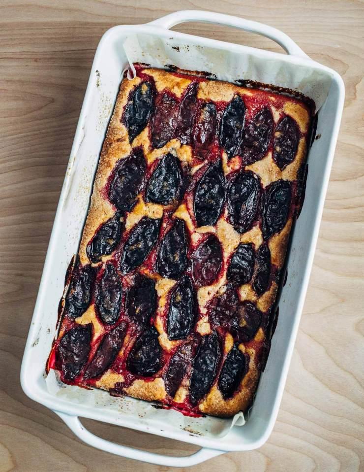 spelt plum cake with vanilla bean // brooklyn supper
