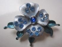 Bros Manik Cantik Bunga Jasmine biru