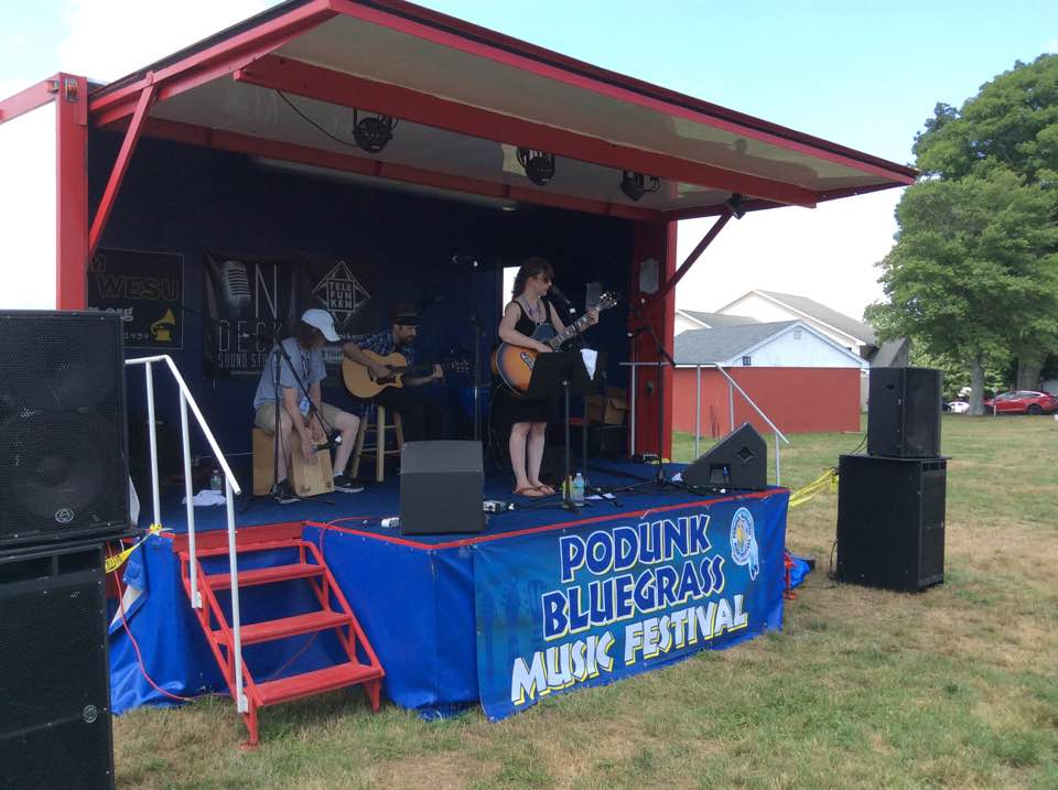 Fantastic acoustic blues-jazz set at Podunk - Sarah LeMieux with Brother Brendan and Brother Dave