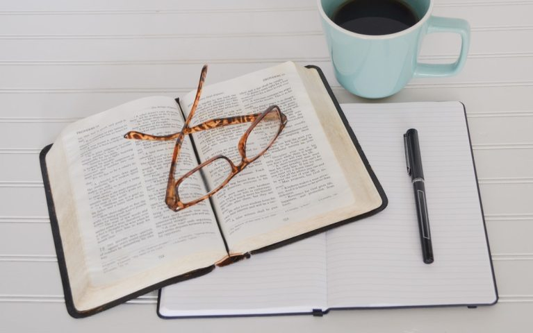 Brazilian completes devotionals on New Testament chapters