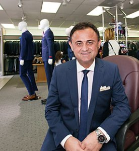 Our Master Tailor, Minas