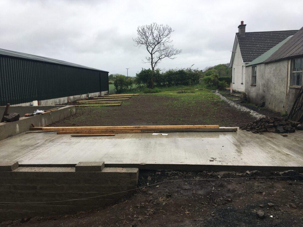 Retaining wall, Garden to Grass