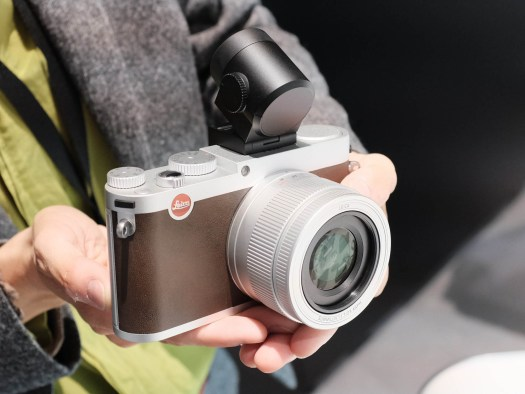 Leica x in brown