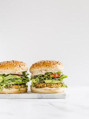 veggie burger, quinoa burger, veggie patty, meatless, vegetable burger, burger meatless Monday