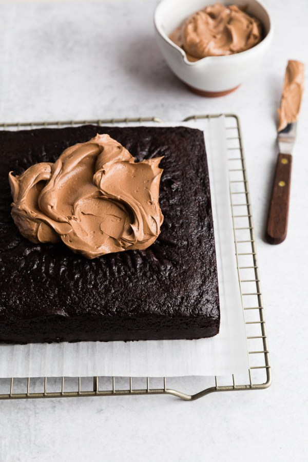 extra-dark-chocolate-snack-cake