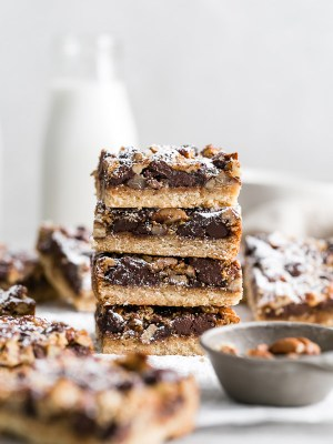 chocolate-pecan-pie-cookie-bars