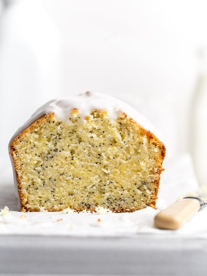 Meyer-lemon-poppy-seed-cake