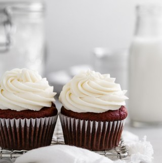 red-velvet-cupcakes-for-two