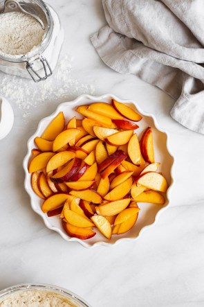 bowl of fresh sliced peaches