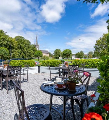 Brownes on the Green Restaurant Outdoor Seating Area