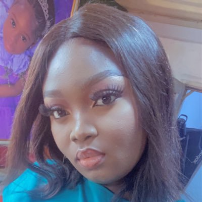 A man that really loves you will not kiss you until your wedding night-Lady says