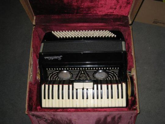 vintage-1940s-frontalini-accordion-made-in-italy-1000-scarborough_8214165