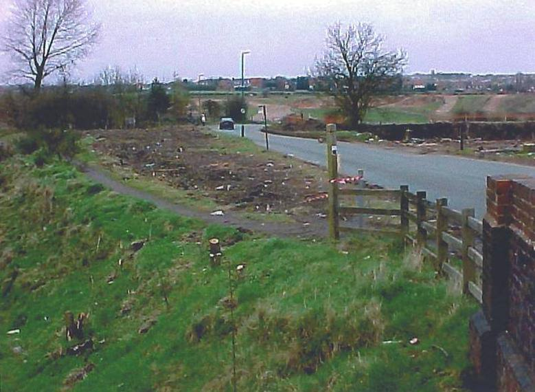 8 April 2001, I think the wooden stakes on the left hand side are the markers for the bridge to be