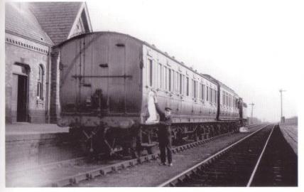 Posted by Si Swain on Facebook who says 'Last day of passenger services at Brownhills Midland on March 29th 1930. A Johnson 3F, No.3277, with two coaches of compartment stock including a clerestory probably dating from the period 1897 to 1916 has arrived with a service from Aldridge.'