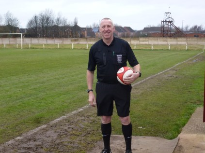 The referee, Mr Neil Read kindly posed for this photograph before the match began in earnest.