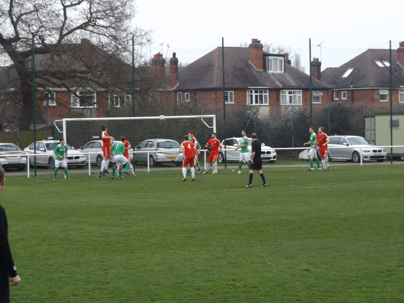 The Wood begin to turn up the pressure in the first half. But to no avail.