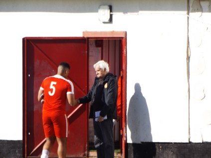 And a certain Bill Shaw, WWFC first team secretary, reporter and much more shakes hands with the whole team as they leave, as he has always does, but today was Bill's last home match at Oak Park.