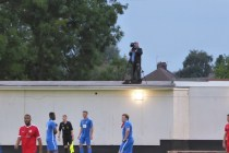 The Wood's rooftop video cameraman in superb action again this evening.