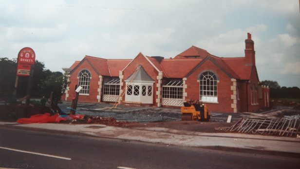 The new Horse & Jockey, 90s. Image posted by Joy Spears.