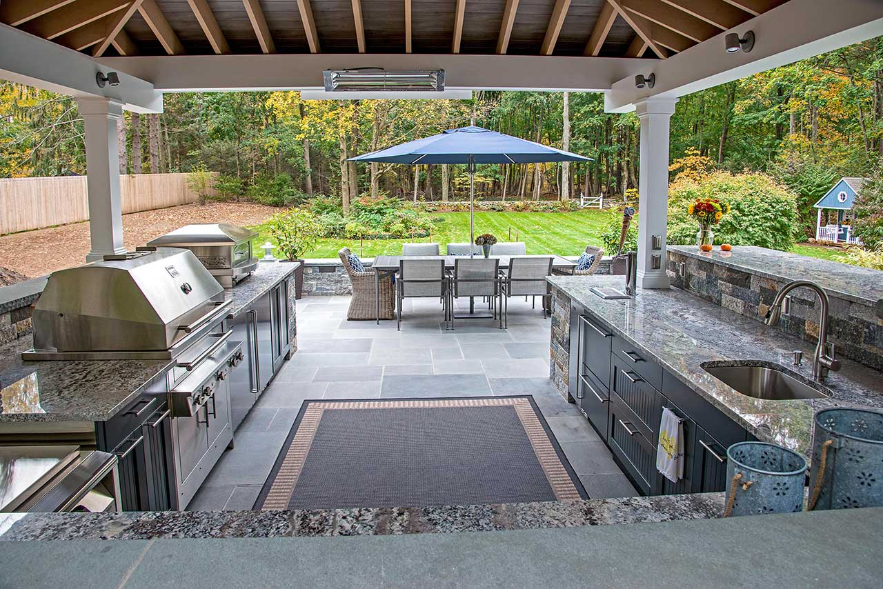 covered outdoor kitchen ideas things