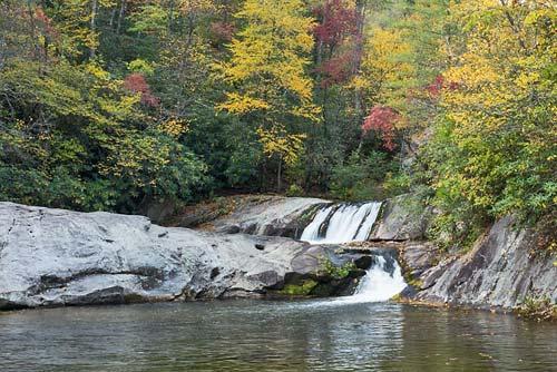 Hunt Fish Falls Easy .8 mile hike