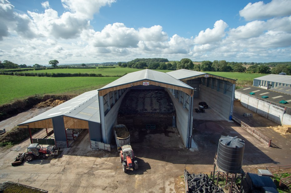 DOUBLE SPAN SILAGE