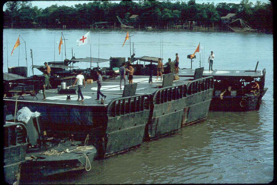 https://i2.wp.com/brownwater-navy.com/vietnam/photos/Boats12.jpg