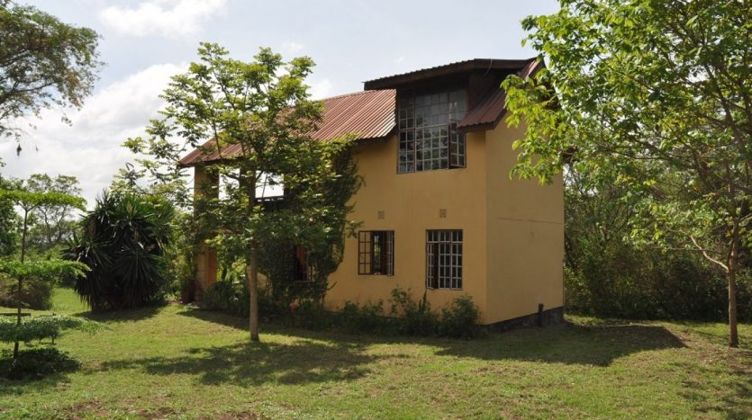 6 Acres with House For Sale In Usariver-Arusha
