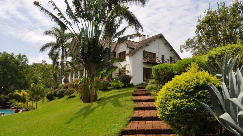 House In Arusha With 7.5 Acres