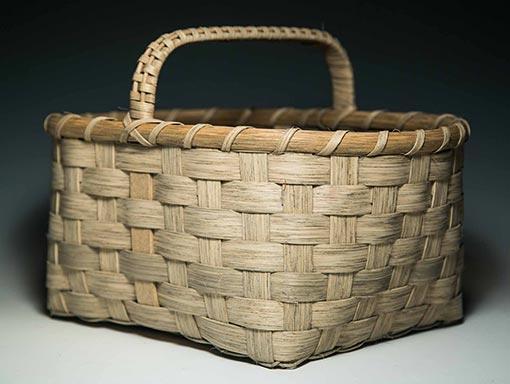 Small-Appalachian-Gathering-Basket-Angle-510x384