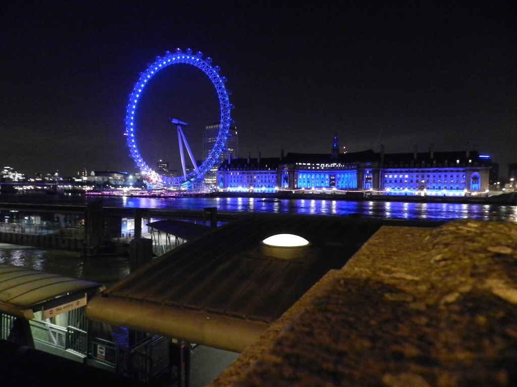 London Eye e County Hall by night