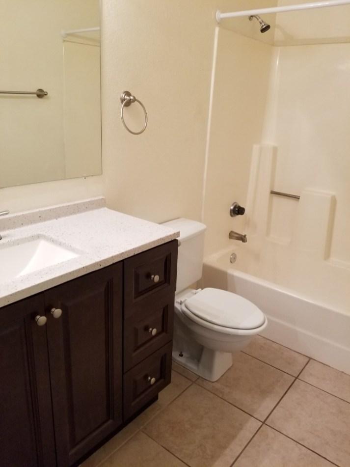 2753-102_Bathroom_1-Medium