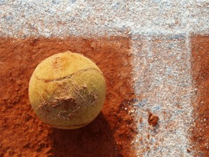 clay court-tennis-ball
