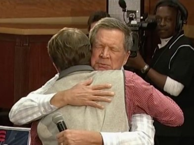 kasich the hug
