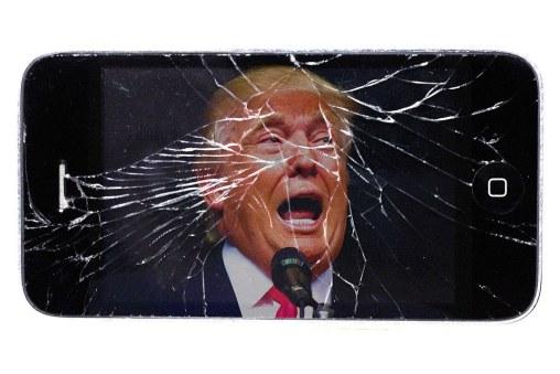 donald trump cracked smart phone twitter