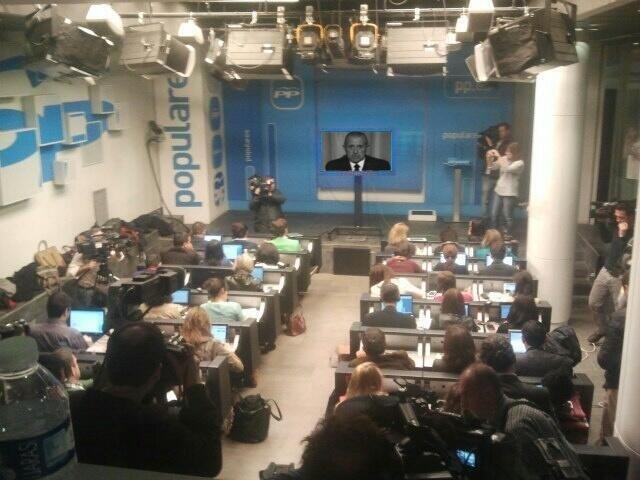 Rajoy ha muerto, en la sala de prensa del PP.
