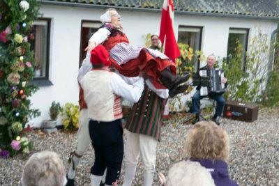 Dans ved Marie og Jenses guldbryllup 2015