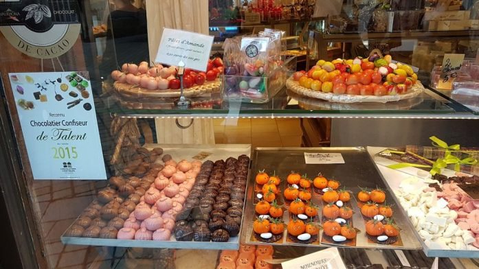 Marzipan in Geschäft in Amboise.