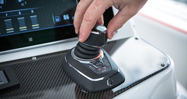 Mercury joystick piloting besturing