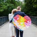 Bruidspaar met piñata