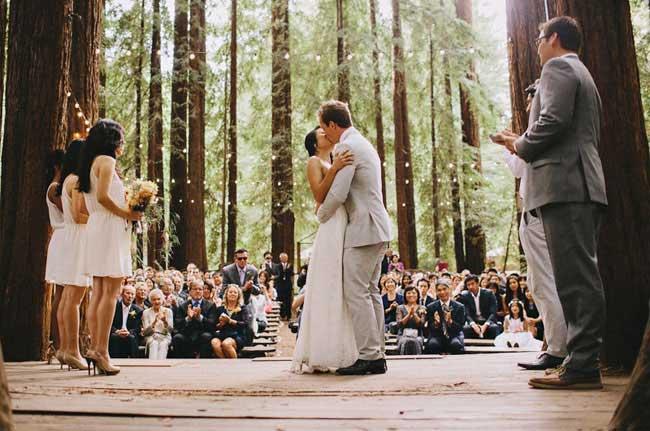 Dylan & Sara Photography via Green Wedding Shoes